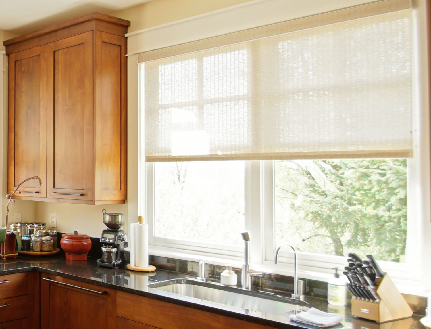 Insolroll Elements® decorative roller shade semi-sheer kitchen